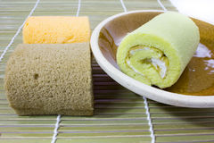 Kolorowy plasterek rolki torta przygotowania Zdjęcia Stock