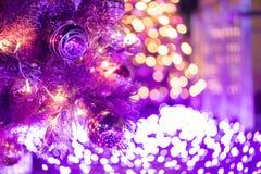 Kolorowy Rozjarzony bożonarodzeniowe światła fotografia royalty free
