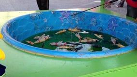 Kolorowy ryba pławik w wodzie zbiory wideo