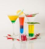 Kolorowy set napoje, koloru napój dekorował z oliwkami i pe Fotografia Royalty Free