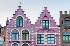 Kolorowy stary cegła dom na Grote Markt kwadracie w Bruges obrazy royalty free