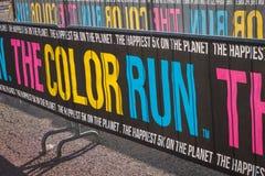 Kolorowy sztandar przy koloru bieg 2014 w Mediolan, Włochy Obraz Royalty Free