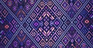 Kolorowy tajlandzki jedwab handcraft peruvian dywanika powierzchni stylowego zakończenie w górę Więcej ten motywu & więcej tkanin Obrazy Royalty Free