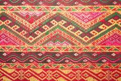 Kolorowy tajlandzki jedwab handcraft peruvian dywanika powierzchni stylowego zakończenie w górę Więcej ten motywu & więcej tkanin Obraz Royalty Free