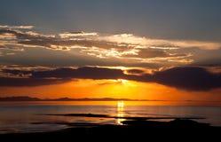 kolorowy wielkiego jeziora soli zmierzch Zdjęcia Royalty Free