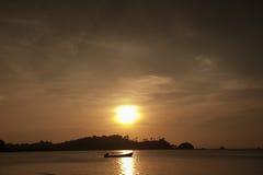 Kolorowy świt nad morzem zdjęcie stock
