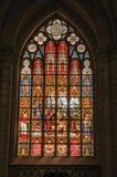 Kolorowy witrażu okno w St Michael i St Gudula katedrze przy Bruksela Zdjęcia Stock