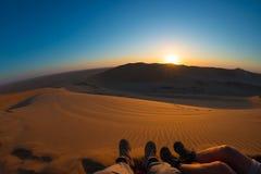 Kolorowy zmierzch nad Namib pustynią, Namibia, Afryka Sceniczne piasek diuny w backlight w Namib Naukluft parku narodowym wędrówk Obrazy Stock