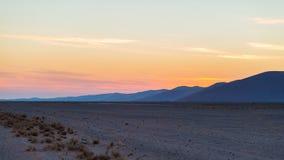 Kolorowy zmierzch nad Namib pustynią, Namibia, Afryka Sceniczne piasek diuny w backlight w Namib Naukluft parku narodowym, Swakop Zdjęcia Stock