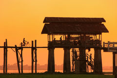 Kolorowy zmierzch przy U Bein mostem, Amarapura, Myanmar Zdjęcia Stock