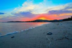 Kolorowy zmierzch w Maria Pia plaży zdjęcia stock