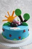 Kolorowych dzieciaków urodzinowy tort Zdjęcie Royalty Free
