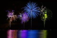 kolorowych fajerwerków jeziorny nadmierny Obrazy Royalty Free