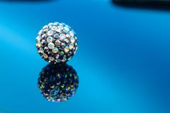 Kolorowych klejnotów złocistych bożych narodzeń wakacyjny ornament Fotografia Stock