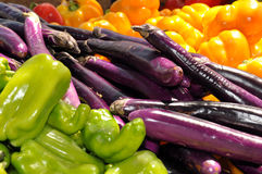 kolorowych rolników targowi veggies zdjęcie stock