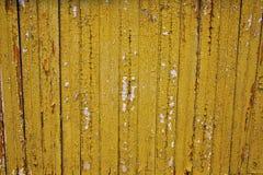 Koloru żółtego Odłupany drewno obrazy stock