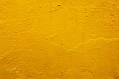 Koloru żółtego beton lub cement ściana z rocznika stylu wzorem zdjęcia stock