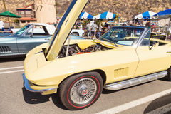 Koloru żółtego Chevrolet 1967 korweta Obrazy Royalty Free