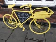 Koloru żółtego handlowy bicykl Zdjęcia Royalty Free
