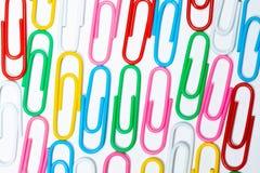 Koloru biura klamerki Biurowy tło zdjęcia stock