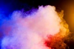 Koloru dym na czarnym tle Zdjęcia Stock