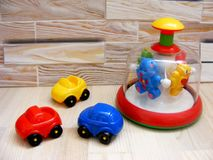 Koloru dziecko bawi się samochody zdjęcie royalty free