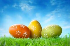 koloru Easter jajek trawa Zdjęcia Royalty Free