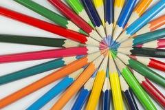 Koloru okrąg ołówki z uzupełniającymi kolorami Obraz Stock