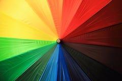 Koloru parasol jako ładny tęczy tło Zdjęcia Stock