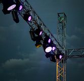 Koloru reflektor przy koncertem przy nocą Zdjęcie Stock