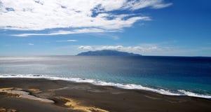 Koloru rozdzielenie na czarnej piasek plaży Fotografia Stock