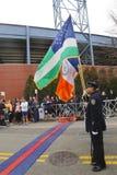 Koloru strażnik Nowy Jork departament policji podczas ceremonii otwarcia Michelob ULTRA Nowy Jork 13 1 maratonu bieg Zdjęcia Royalty Free