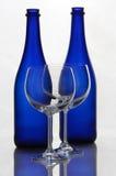 Koloru wina butelki i win szkła Obrazy Royalty Free