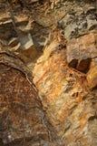 Kolory wygryzione i utleniać skały obrazy stock
