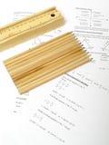 Koloryt ołówki i pudełko trzymać one Zdjęcie Royalty Free