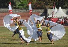 Kolosalny taniec przy sztuka festiwalem zdjęcia royalty free