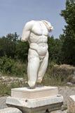 Kolossal torso av den nakna manliga guden i det Hadrian badet av Aphrodisias Royaltyfria Foton