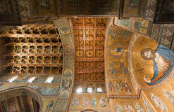 Kolossale Kniestückzahl von Christus in der Monreale-Kathedrale Lizenzfreie Stockbilder