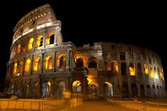 Kolosseum nachts Stockbild