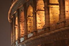 Kolosseum Noc (Colosseo Rzym Włochy) - Zdjęcie Royalty Free