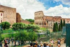 Kolosseum od Romańskiego forum włochy Rzymu Obrazy Stock