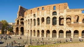 Kolosseumansicht in die Stadt von Rom stockfotografie