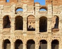 Kolosseumdetail in der Stadt von Rom lizenzfreie stockfotos