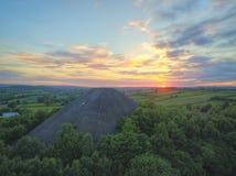 Kolspets i solnedgång från surret royaltyfri fotografi