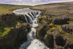 Kolugljufur瀑布在西部冰岛 图库摄影