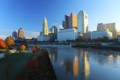 Kolumb, Ohio centrum miasta na jasnym ranku Fotografia Stock
