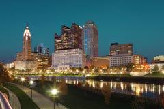 Kolumb, Ohio centrum miasta przy zmierzchem Fotografia Stock