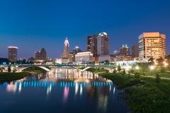 Kolumb, Ohio miasta nocy linia horyzontu fotografia royalty free