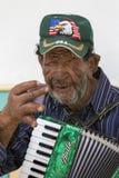 Kolumbianischer Musiker, der Musik in der Straße von Salento, Colom spielt Lizenzfreies Stockbild