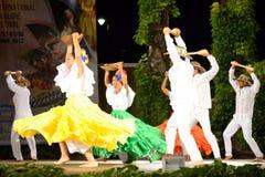 Kolumbijski klasyczny taniec grupy sceny występ Fotografia Stock